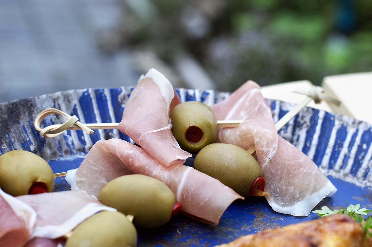 spekeskinke-med-oliven