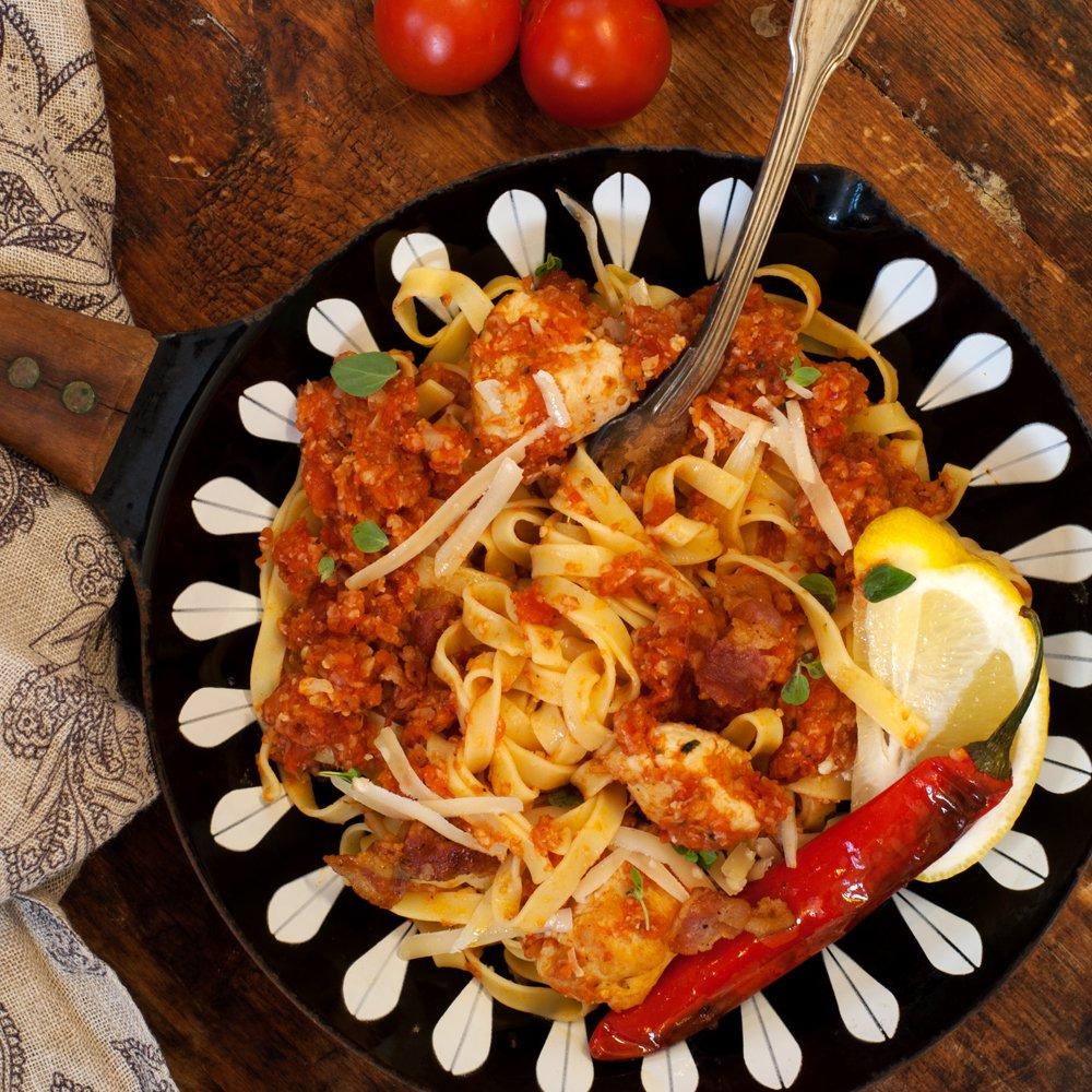 tagliatelle-med-kylling-og-tomatsaus