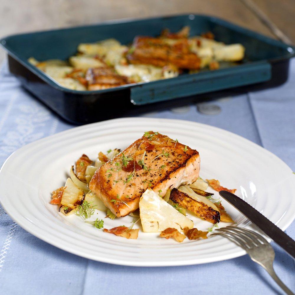 Stekt laks med ovnsbakte grønnsaker