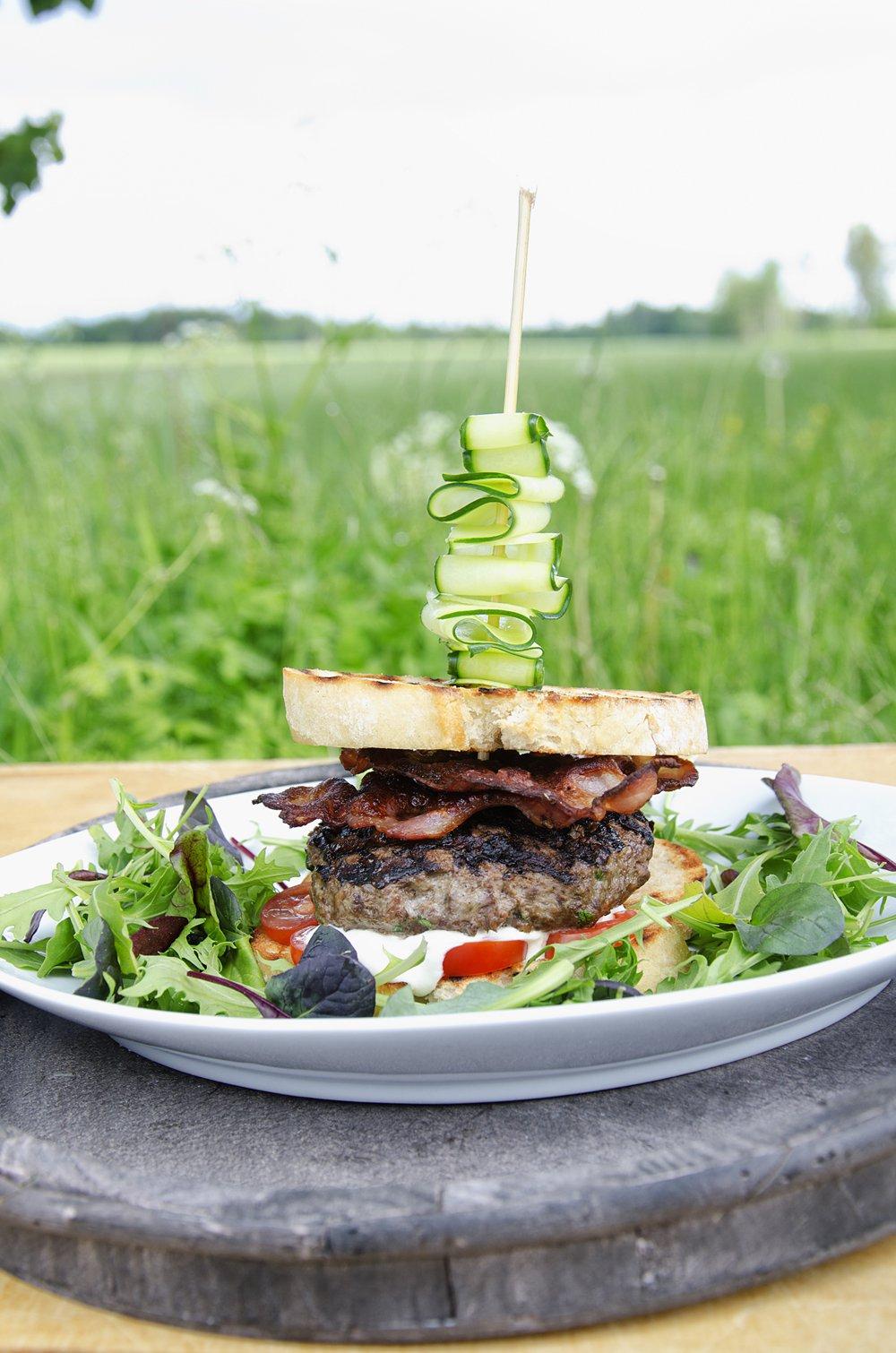 Elgburger med bacon