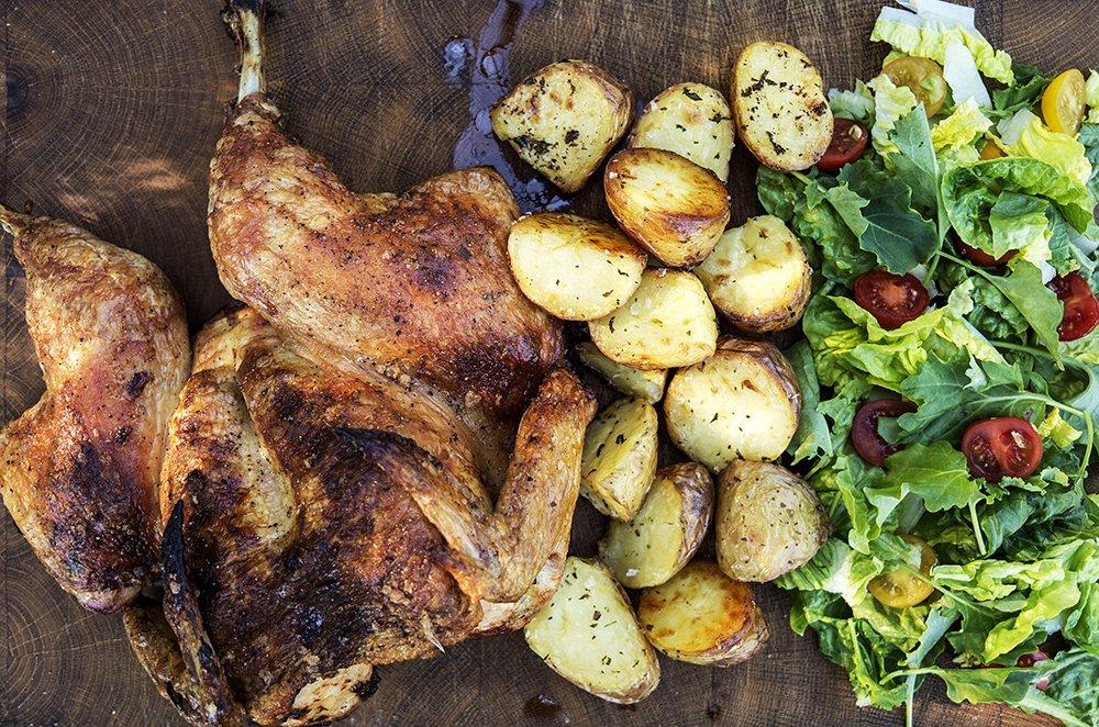 Helstekt kylling fylt med gode pølser