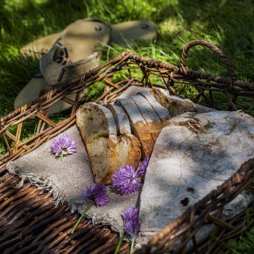 Eltefritt brød med basilikumpesto