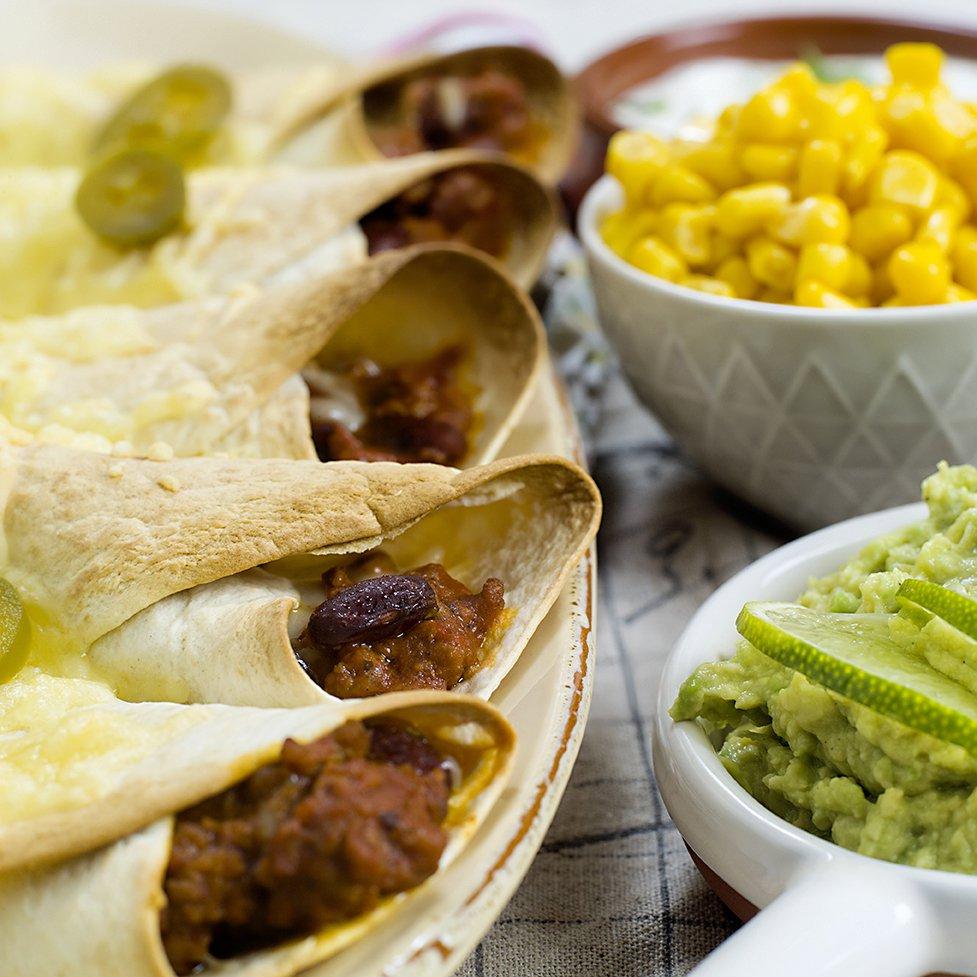 Enchiladas med chilibønner og guacamole