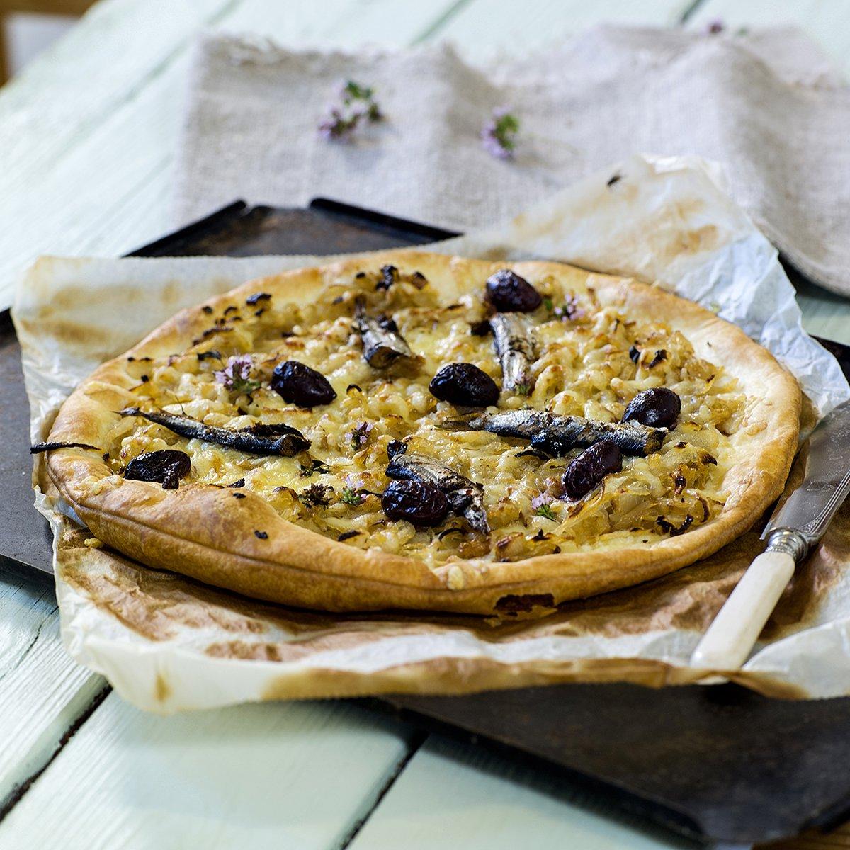 Pissaladiere - deilig løk- og olivenbrød fra Nice