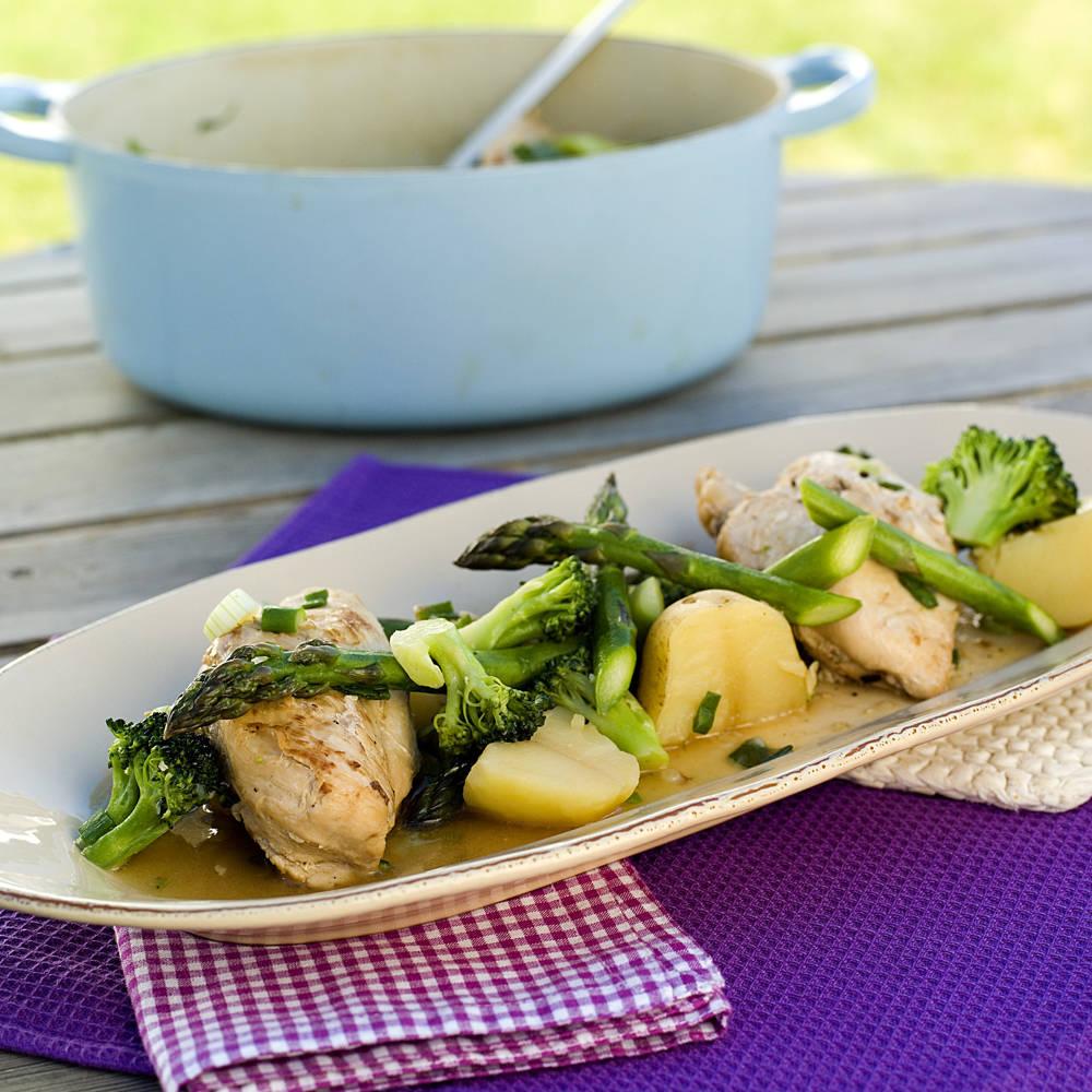 kyllinggryte-med-asparges-brokkoli-og-sukkererter1