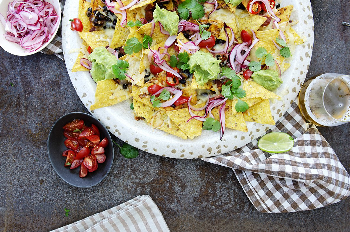 nachochips med guacamole og bønner