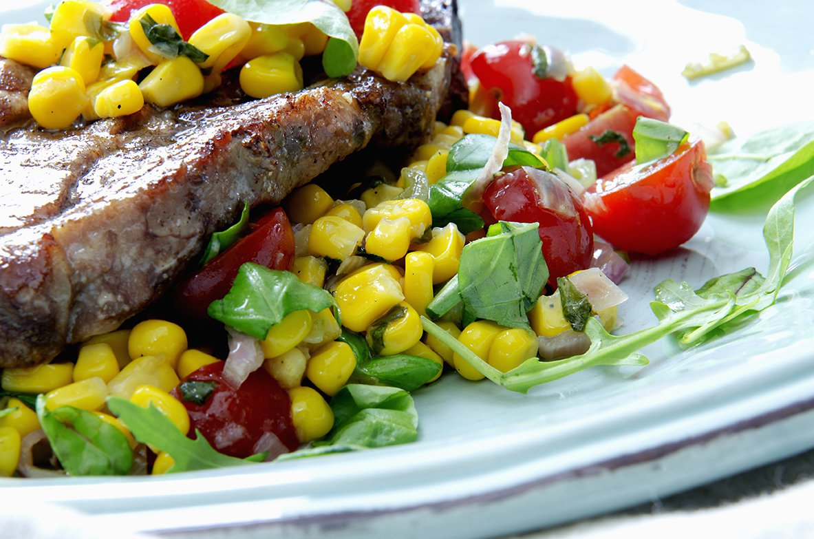 maissalat og grillede koteletter 2