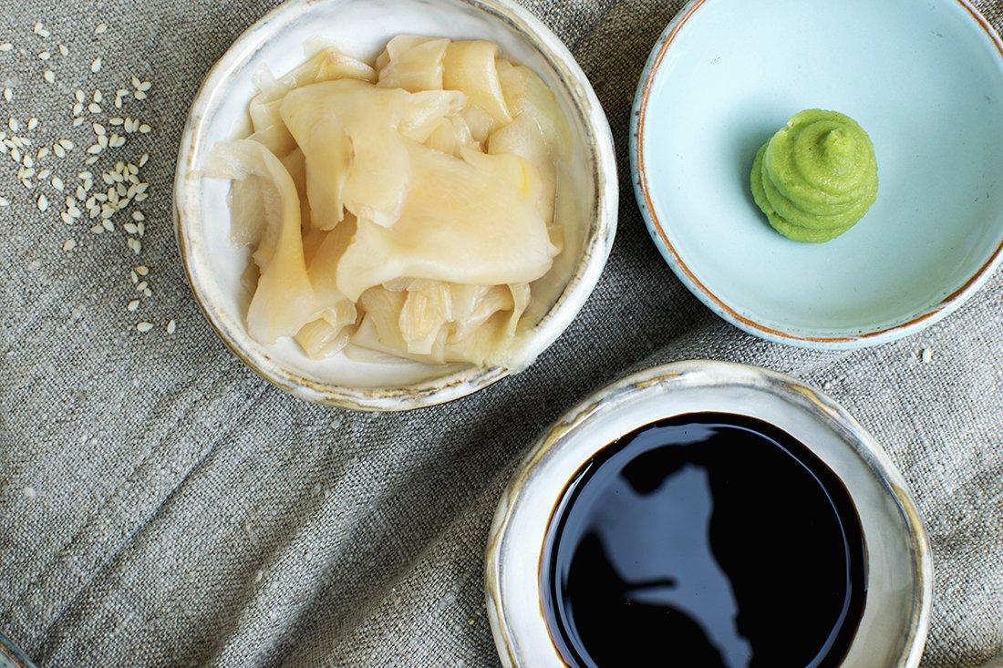 wasabi, syltet ingefær og soyasaus