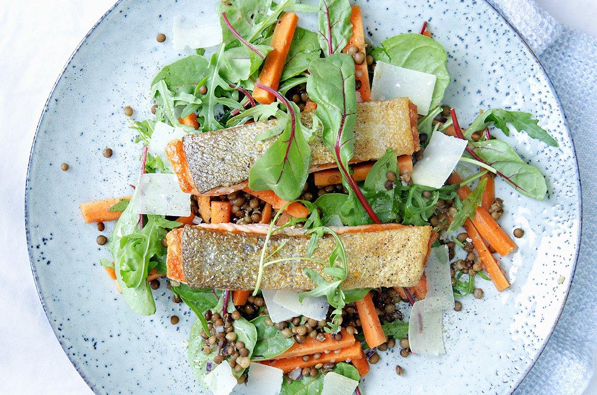 linsesalat med gulrot og parmesan