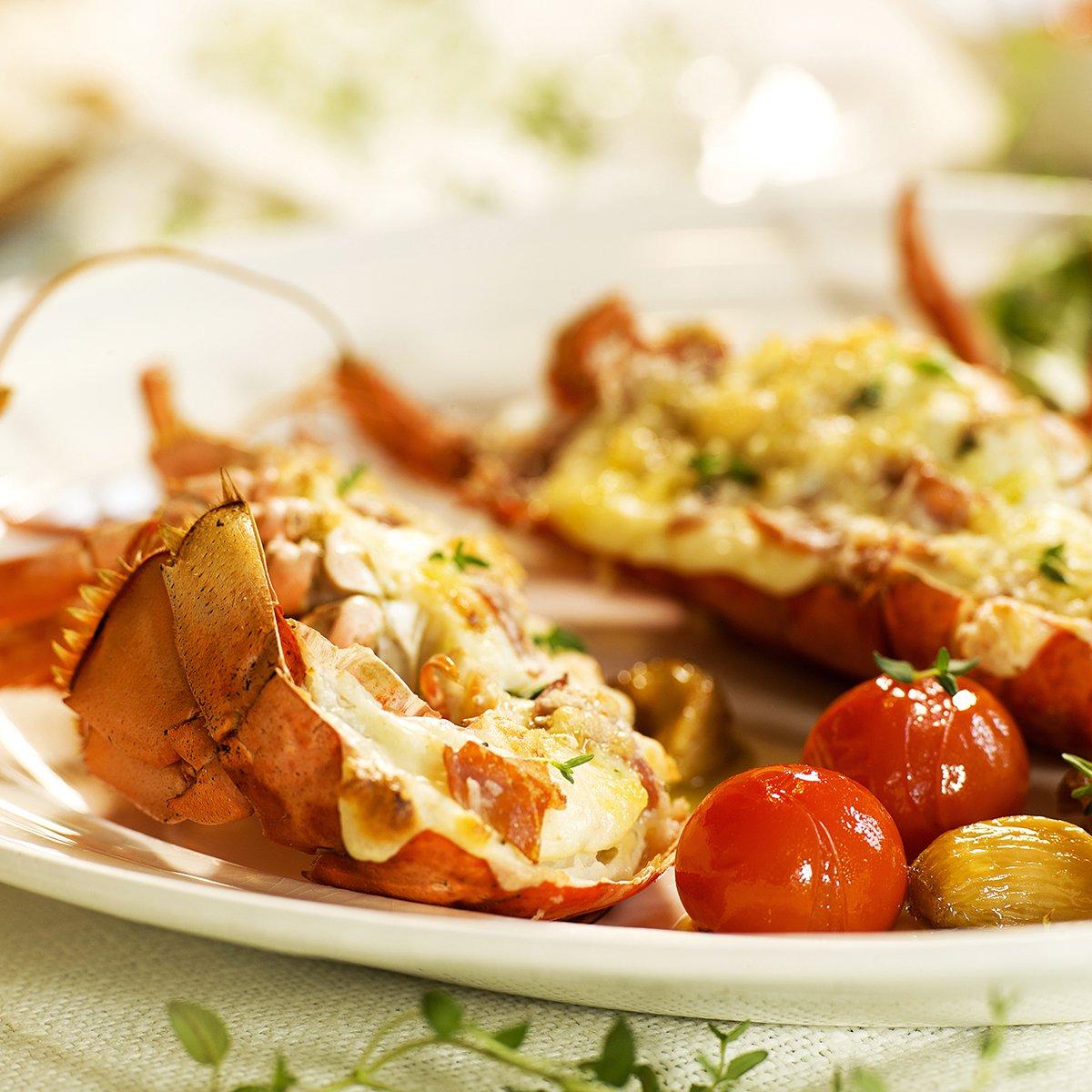 ostegratinert-hummer-med-tomat-og-hvitlok