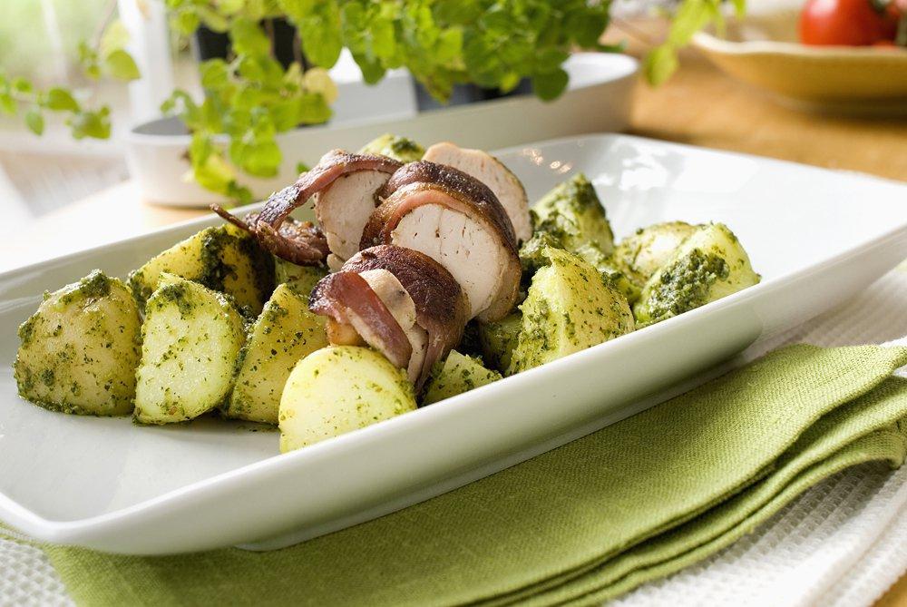 Baconsurret kylling med pestopoteter