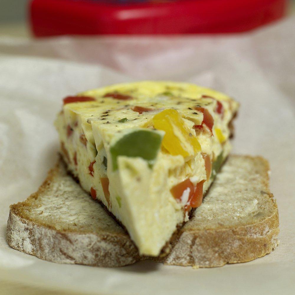 Omelett med mange farger i matpakka
