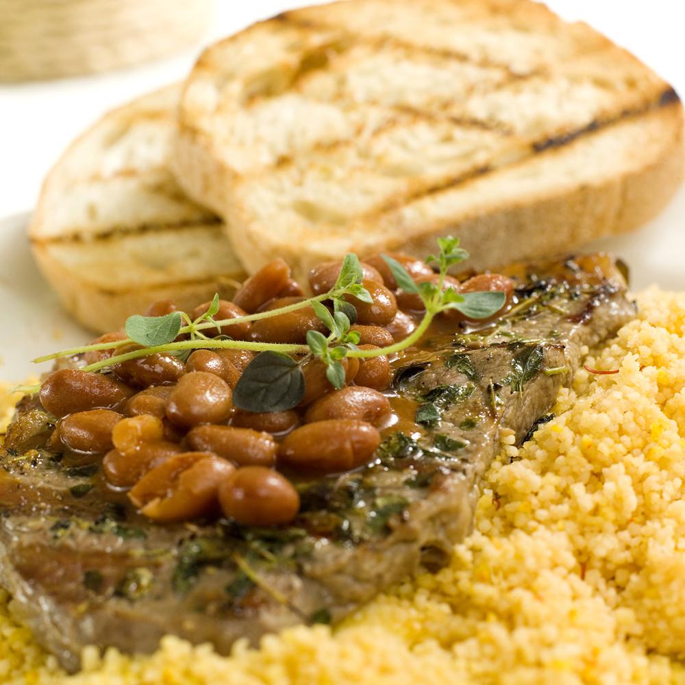Entrecôte med couscous og chilibønner