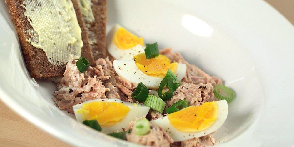 Tunfisksalat med egg