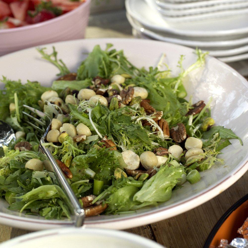 Salat med nøtteblanding
