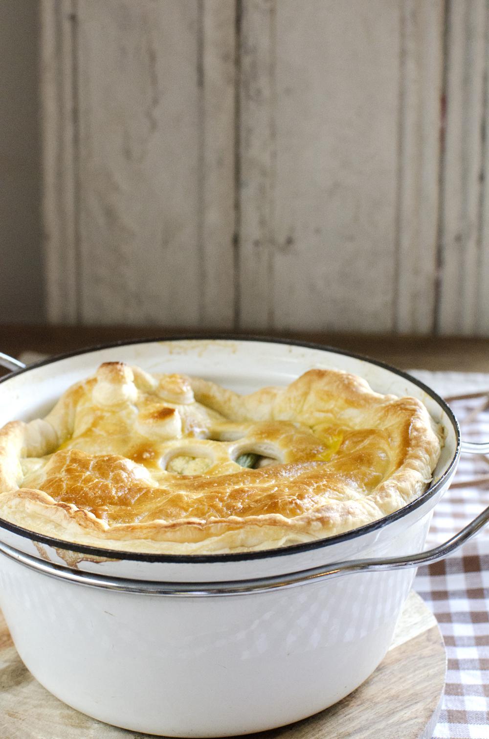 Kalkungryte med butterdeigslokk