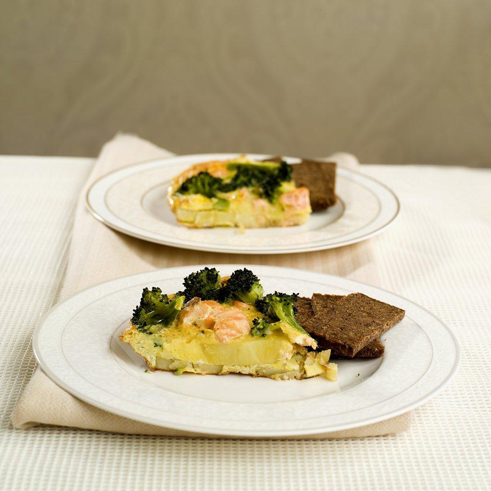 Spansk potetomelett med laks og brokkoli