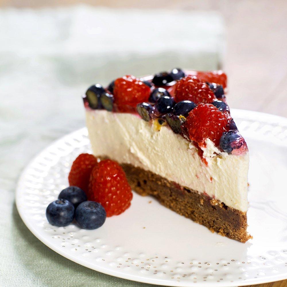 Ostekake med bær- og gelelokk
