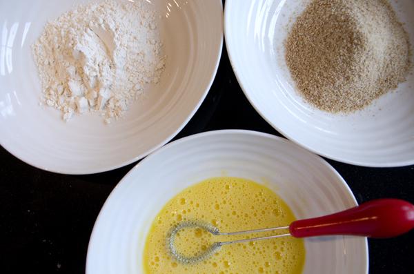 Fylt skinkebiff med pasta og bønnesalat