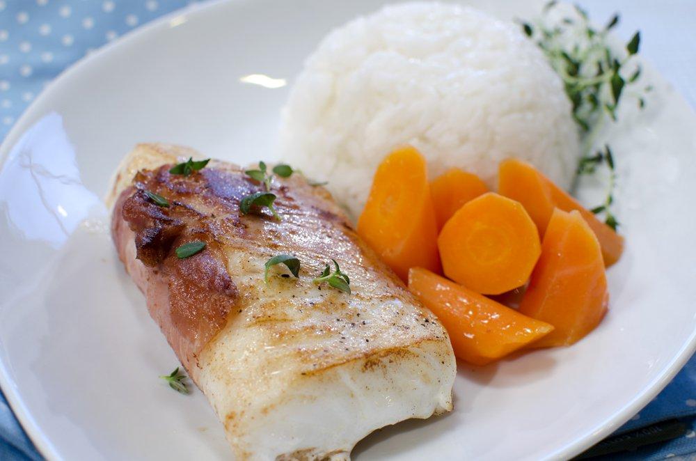 Stekt torsk med spekeskinke