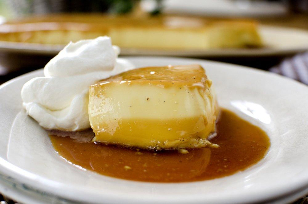 Varm gryte og karamellpudding til morsdagen
