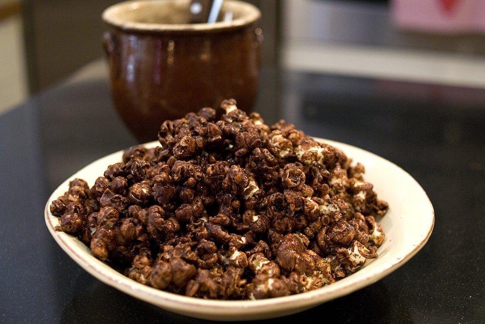 Popcorn med sjokoladesaus
