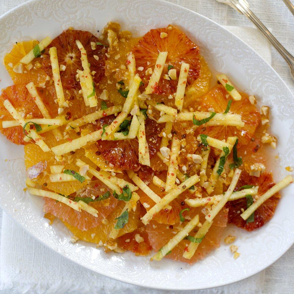 Sitrussalat med peanøttkrokan