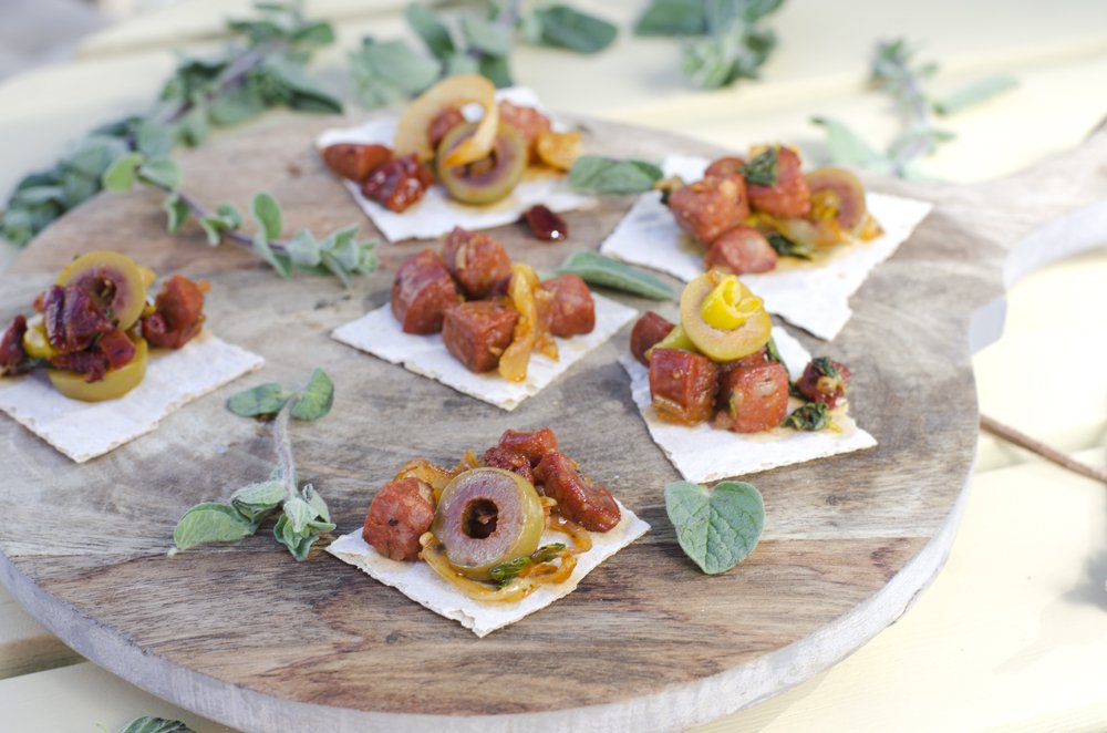 Stekt chorizo med oliven og soltørka tomat