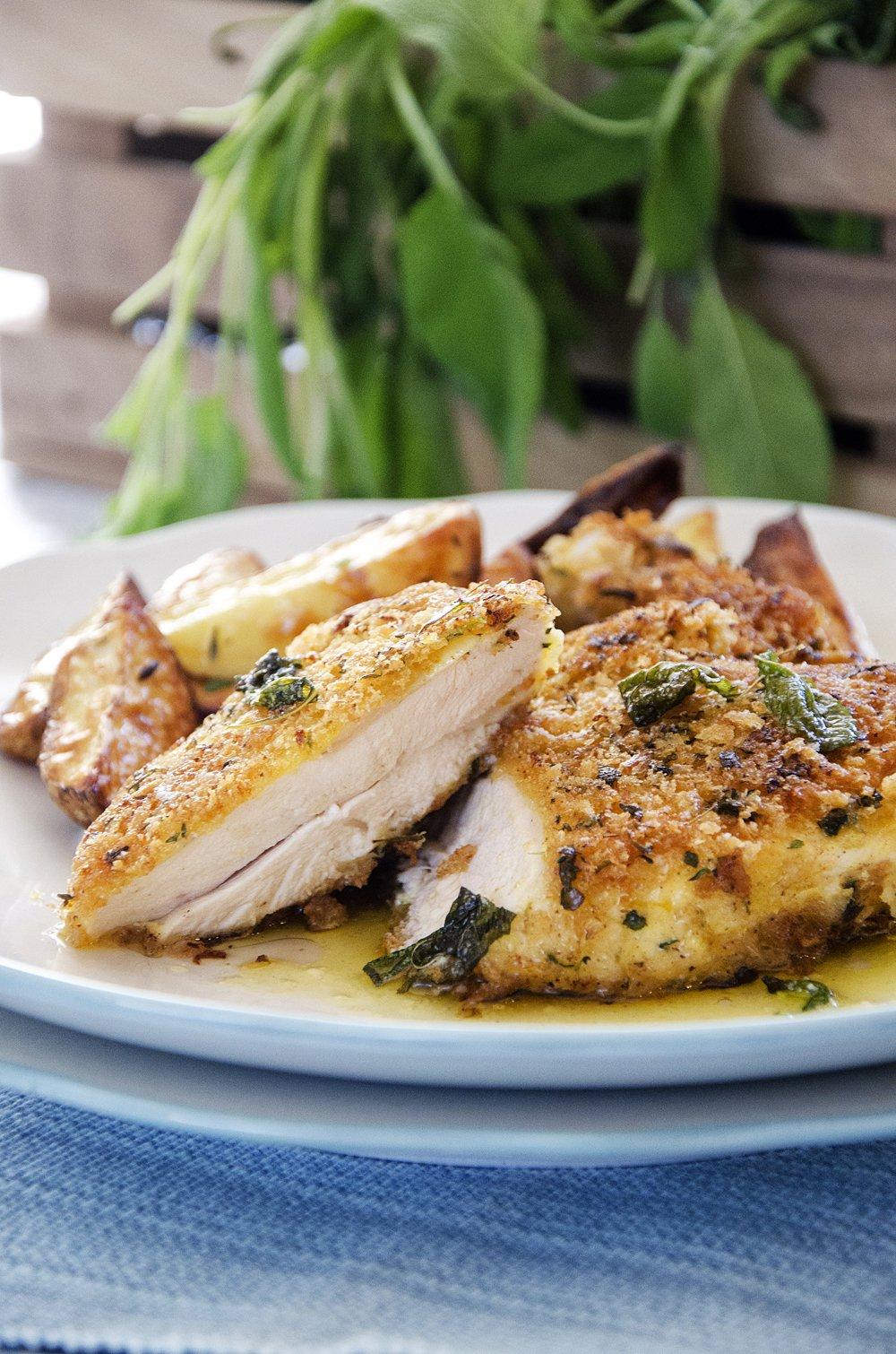 Kyllingsnitsel med salviesmør