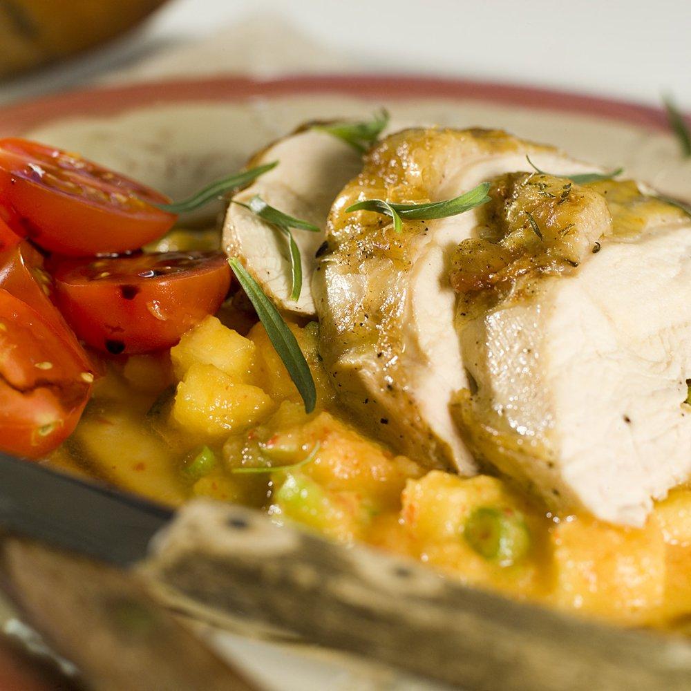 Stekte kyllingbryst med ananas- og chilisalsa