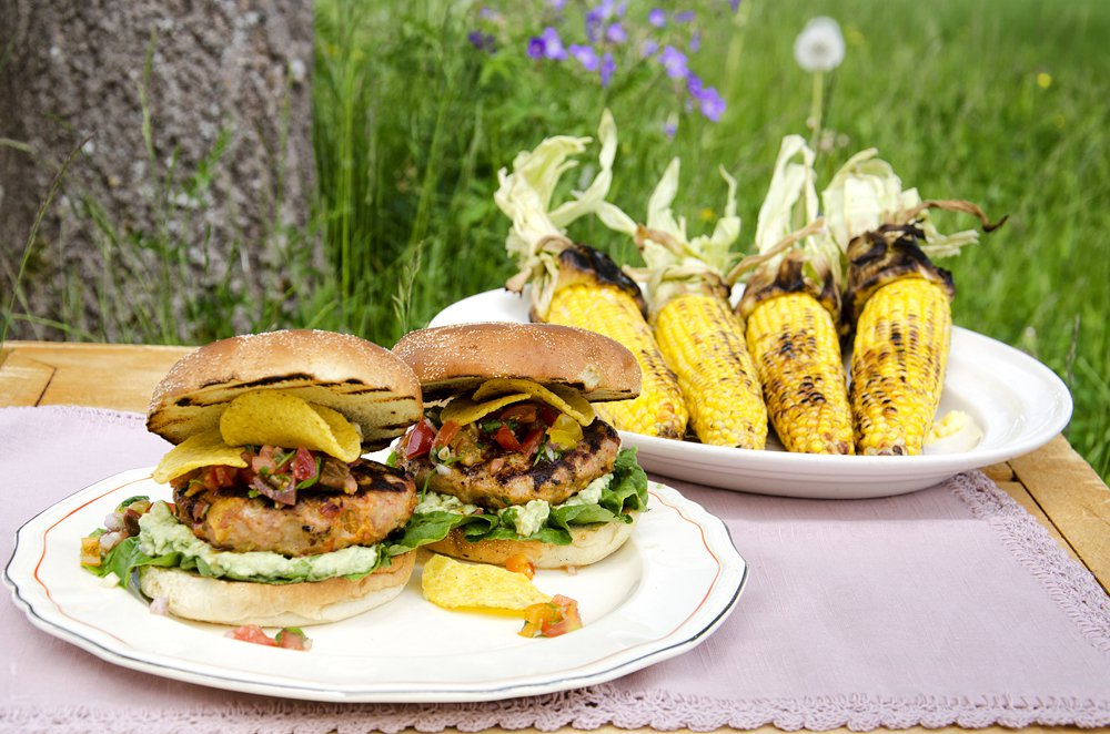 Tex-mexburger med salsa og guacamole