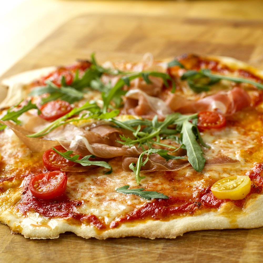 Italiensk pizza med tynn bunn