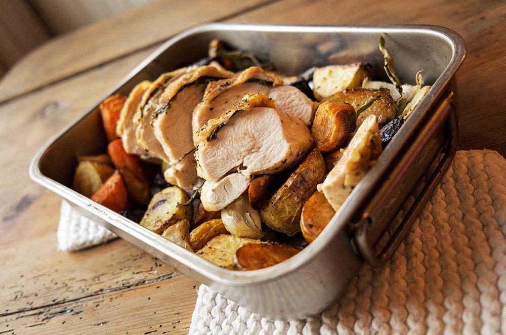 Smørfylt kyllingfilet med rotgrønnsaker