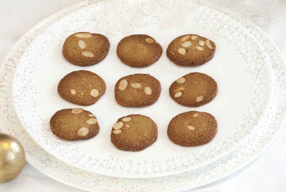 Brune mandelkjeks