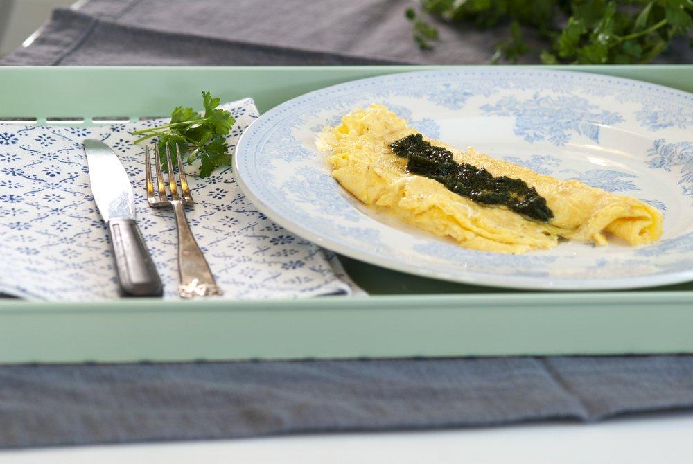 Lettvint omelett fylt med mozzarella
