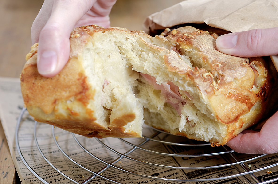 Stablebrød med ost og skinke
