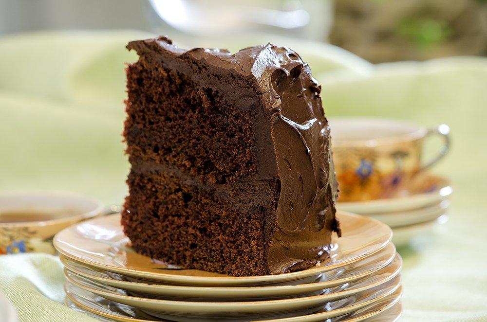 Mørk sjokoladekake med smørkremglasur