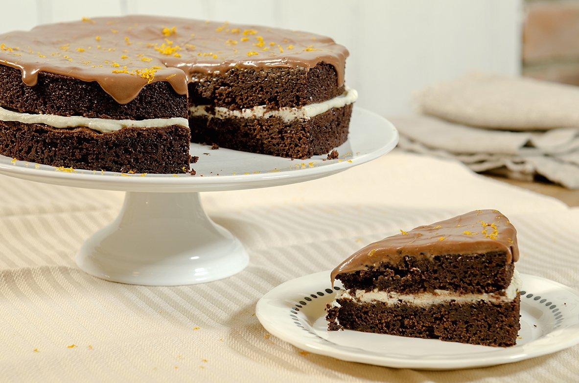 Mørk, dobbel sjokoladekake med melkesjokoladeglasur