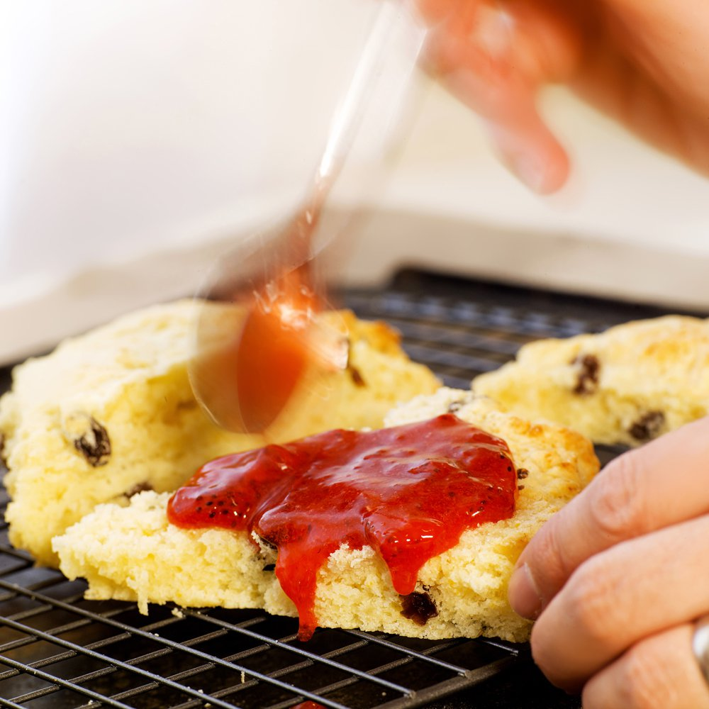 Luftige scones med rosiner
