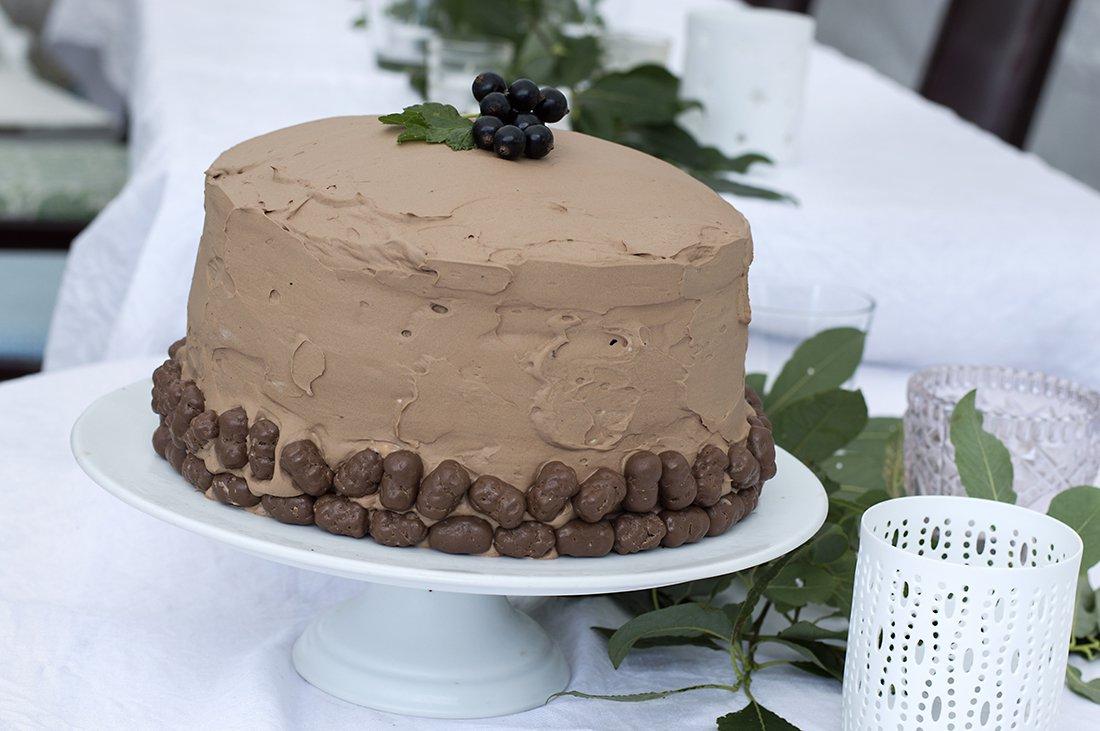 mørk sjokoladekake i 3 lag