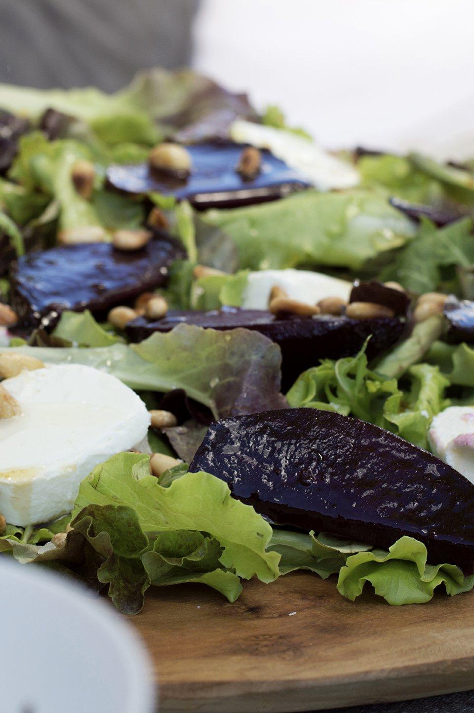 salat med ovnsbakte rødbeter og chevre 2
