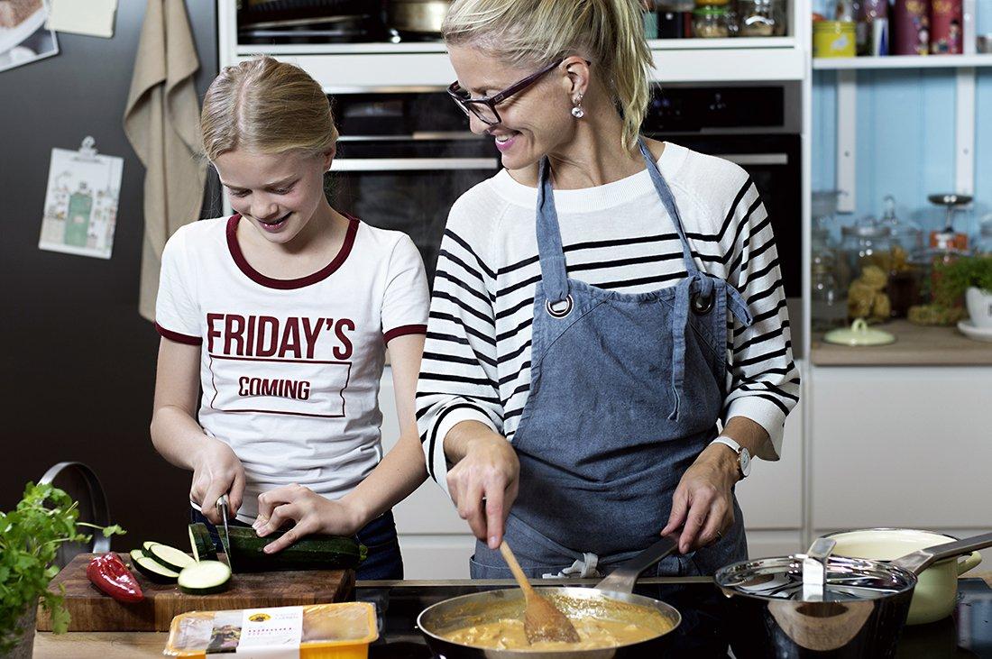 Lea og Fru Timian lager mat